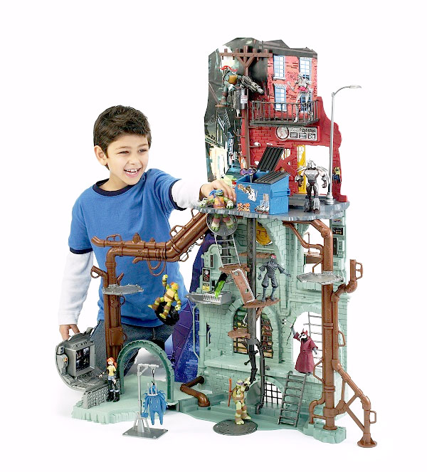 Playmates Teenage Mutant Ninja Turtles New Sewer Lair Playset