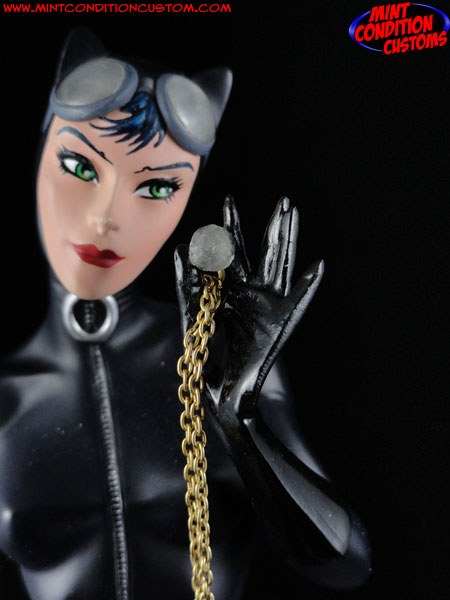 Hush Catwoman Statue Repair by John Harmon Mint Condition Customs