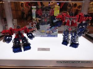 Transformers Prime Hasbro BotCon 2012 Cyberverse Optimus Maximus