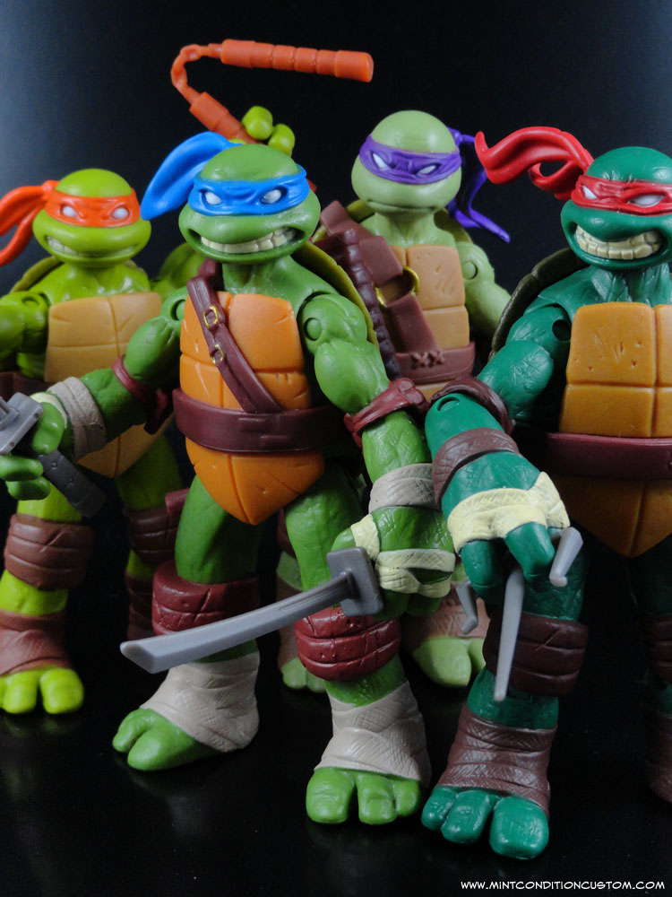 2012 Nickelodeon Teenage Mutant Ninja Turtles TMNT Leonardo Michelangelo Raphael and Donatello Action Figures