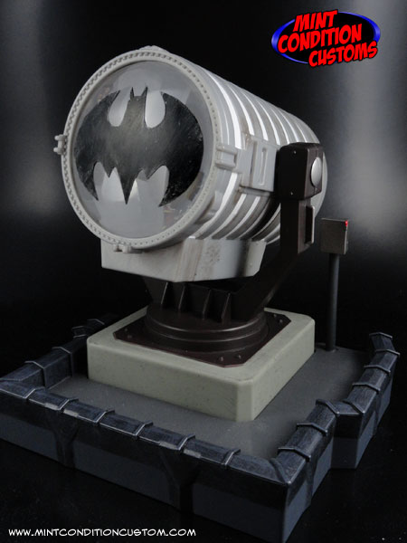 "Custom Batman Bat Signal (Classic Emblem) 6"" Scaled Light-Up DC Universe Display"