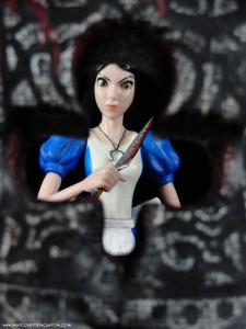 DST Alice: Madness Returns Card Guard Action Figure Fighting Alice
