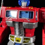 Review – Masterpiece Optimus Prime – Transformers: Masterpiece, Hasbro (35 Pictures!)