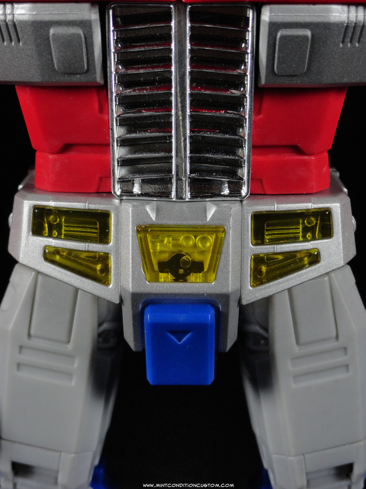 Transformers Masterpiece Optimus Prime Pelvis Close-Up