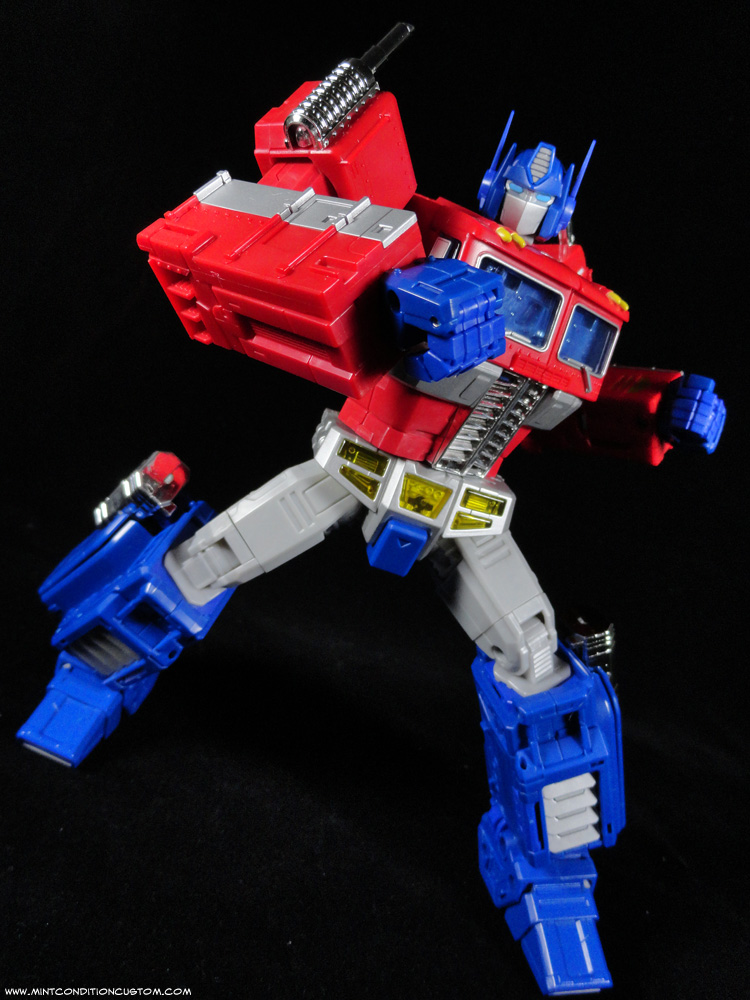 Transformers Masterpiece Optimus Prime Articulation