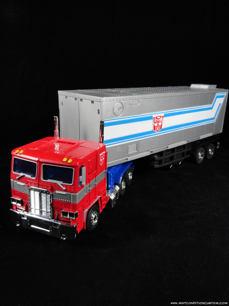 Transformers Masterpiece Optimus Prime Alt Truck Mode with Trailer