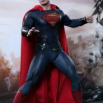 Hot-Toys_Man-of-Steel_Superman_02