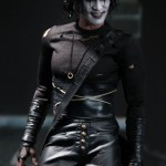 Hot-Toys_The-Crow_Eric-Draven_07