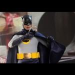 Hot_Toys_1966_Adam_West_Batman_07