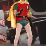 Hot_Toys_1966_Batman_Robin_01