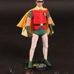 Hot_Toys_1966_Batman_Robin_07