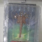 News – NECA Aliens Light-up Egg with launching Facehugger Packaging Shot
