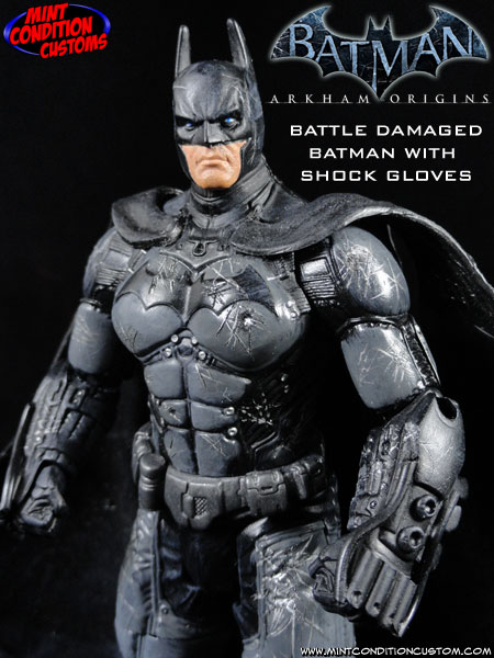 Batman Arkham Origins (Battle Damaged W/ Shock Gloves) 6